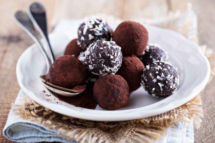 chokladbollar med kokossocker